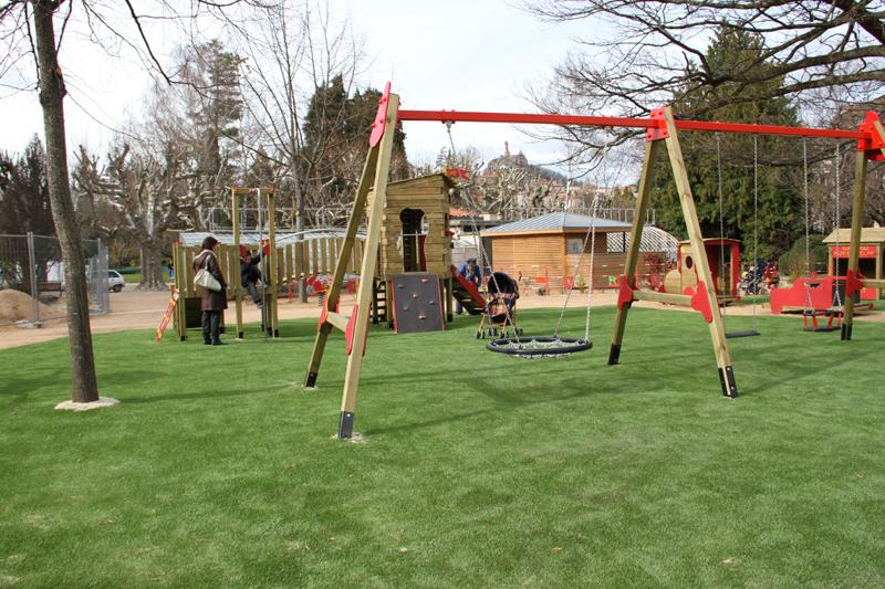 Un nouvel espace de jeux au jardin henri vinay site for Le jardin henri vinay